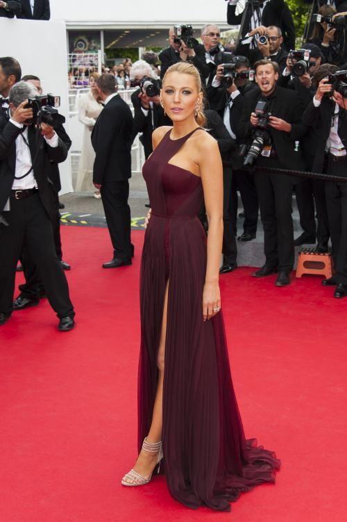 Blake Lively - Cannes: les robes du tapis rouge sur http://www.flair.be/fr/mode/287266/cannes-les-robes-du-tapis-rouge