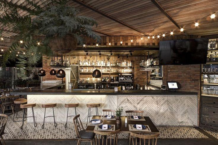 Restaurante La Tequila Sur / LOA