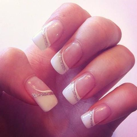 French manicure has always been and still is the most popular among brides because it's timeless, elegant and fits any style. Should it be classic? Not necessarily!