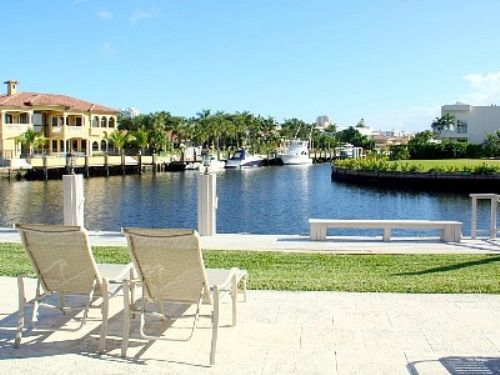 Miami Beach 4 bed amazing Waterfront home with HEATED POOL Boat Dock vacation  rental in Miami Beach. 25 best images about Miami Beach Vacation Rentals on Pinterest