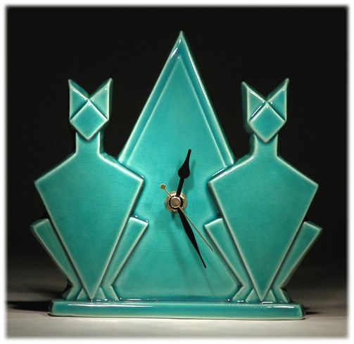 Art Deco - Cat Pyramid Mantle Clock
