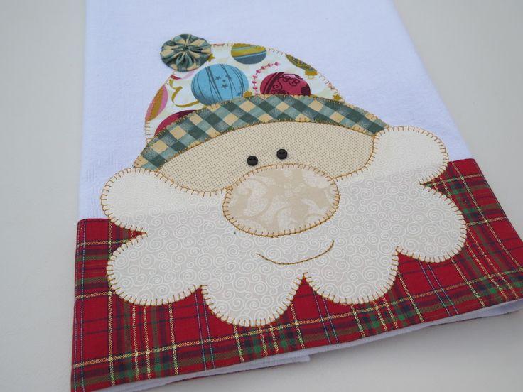 Pano de copa algodão branco, em tecido 100% algodão.  Patch aplique de Papai Noel, com bordado em ponto caseado.    PREÇO PROMOCIONAL SOMENTE NA PEÇA EM ESTOQUE.