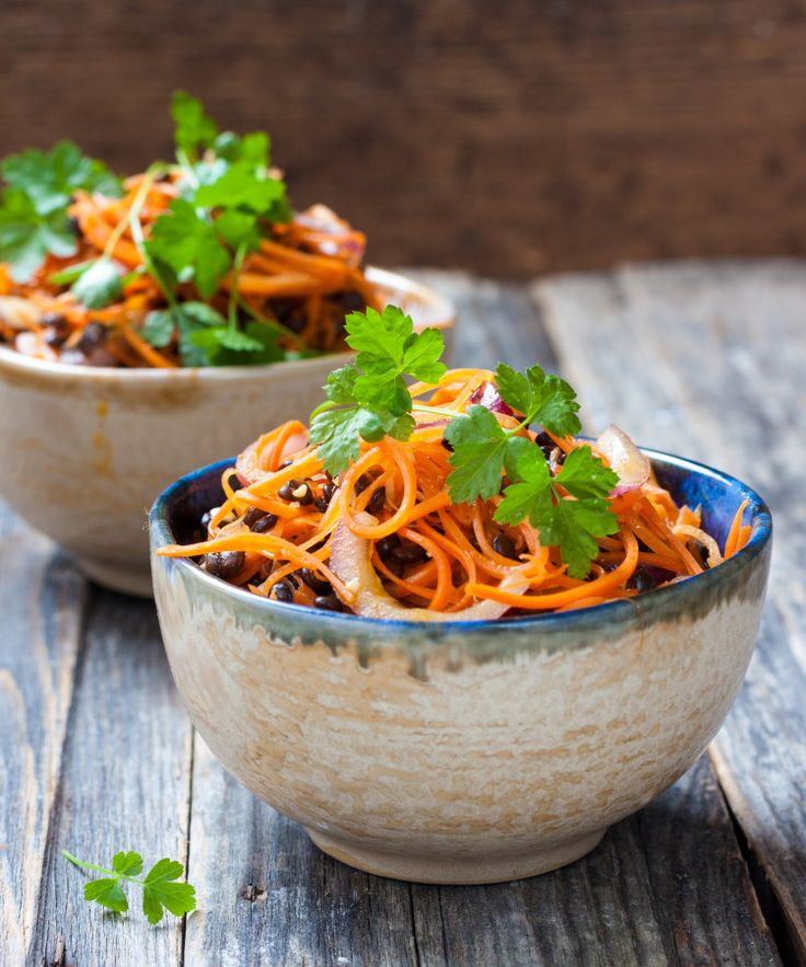Spicy Asian Salad with carrots and black lentils