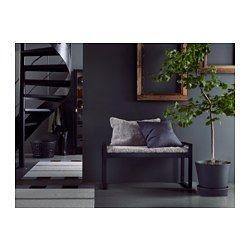 IKEA - BJÖRKSNÄS, Bänk med dyna, Massivt trä är ett slitstarkt naturmaterial.Fårskinn har naturligt isolerande egenskaper som gör att det känns varmt och ombonat att sitta på.