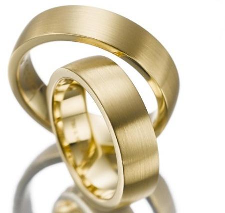 Alianzas de matrimonio en oro 18K