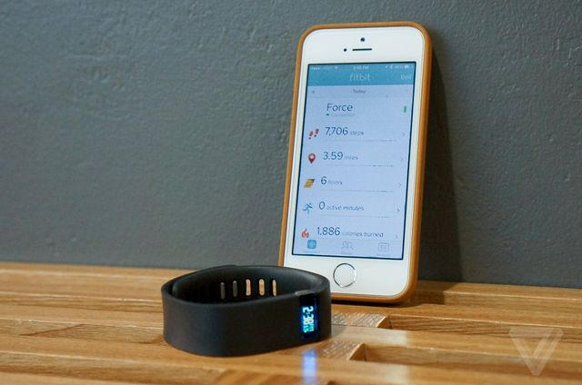 Fitbit's latest iOS update turns the iPhone 5S into a fitnesstracker
