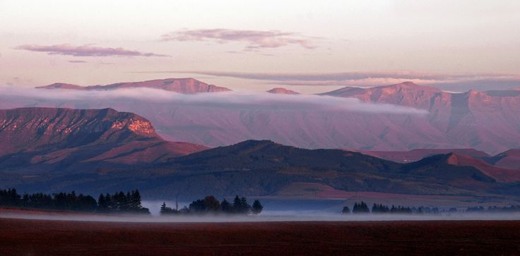 A misty view of the #Drakensberg http://www.n3gateway.com/news5/14/151/Stephen-Pryke/d,detail.htm