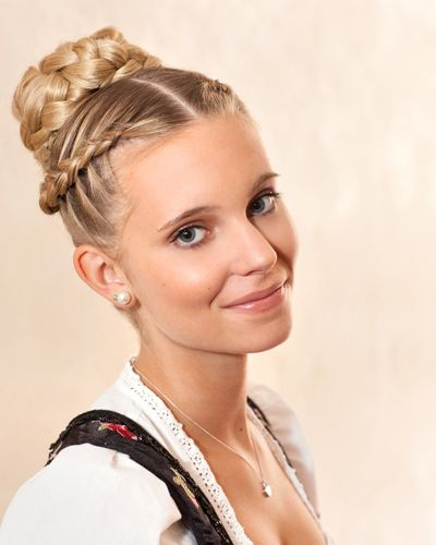 Hairstyle that goes perfectly with your Dirndl.