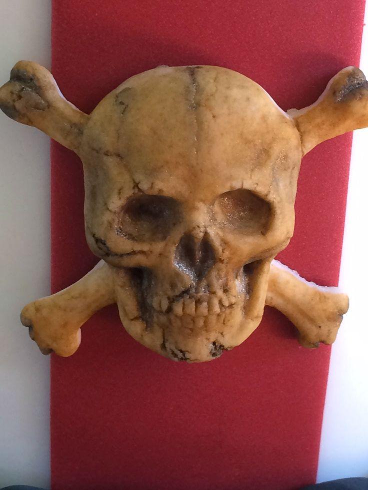 Fondant Skull Close up. Using dry(er) fondant to get cracking detail.