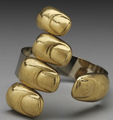 """The 1969 """"Goldfinger,†Italian artist Bruno Martinazzi's powerful observation of the human condition was made of 20K gold and 18K white gold. ©Bruno Martinazzi. Photograph ©Museum of Fine Arts, Boston. Image courtesy Museum of Fine Arts, Boston, the Daphne Farago Collection."""