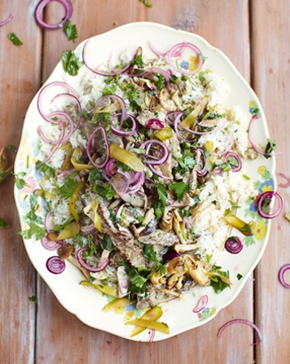 beef stroganoff, fluffy rice, red onion parsley pickle - jamie 15 min meals