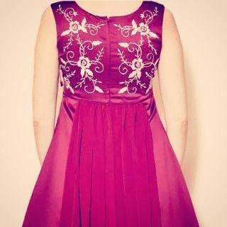 Beautiful back #embroidery #dress #vintage #maroon #sixvintagechicks