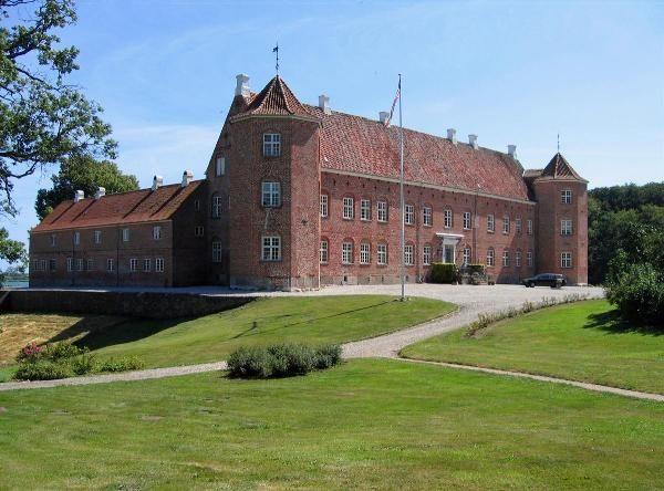 Rugaard Gods ved Nørresø mellem Ebeltoft og Grenaa