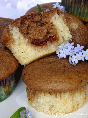 Przyjemność z pieczenia: Muffinki dwukolorowe z marmoladą