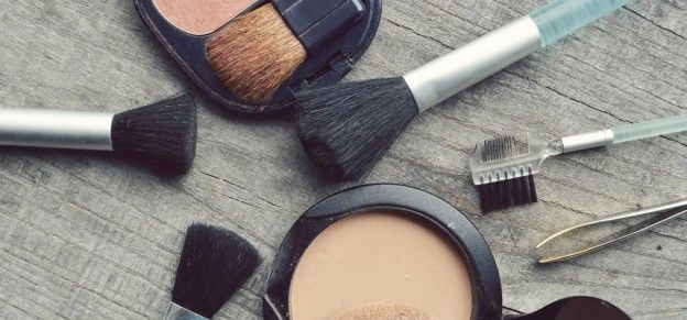 Best Compact Powders For Dry Skin – Our Top 10
