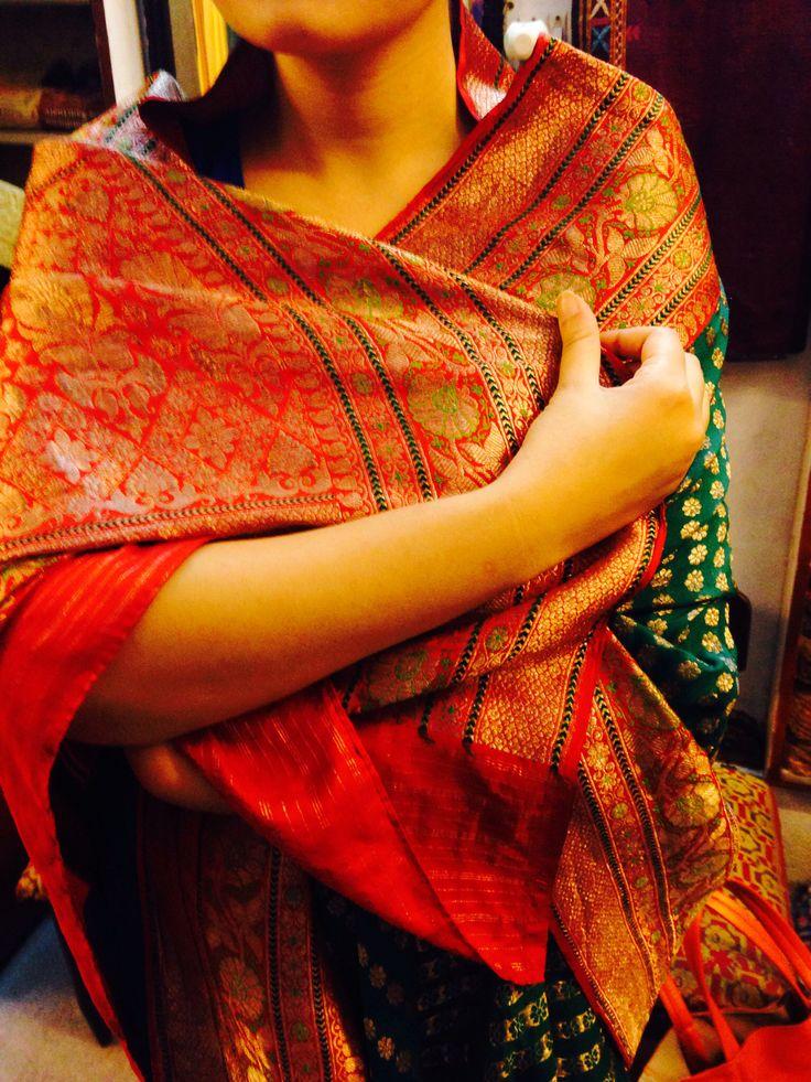 Goregous Vintage Banarasi Indian Silk Sari. Perfect for occasions, especially weddings :)