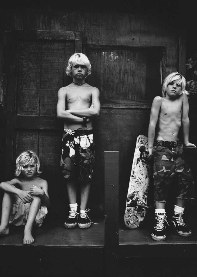 The Florence brothers! Surfer boys