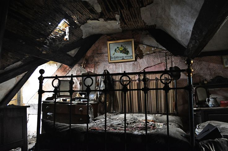 17 Best Images About Haunted Rooms On Pinterest The