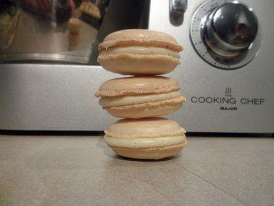 Découvrez les recettes Cooking Chef et partagez vos astuces et idées avec le Club pour profiter de vos avantages. http://www.cooking-chef.fr/espace-recettes/desserts-entremets-gateaux/macaron-chocolat-blanc-vanille