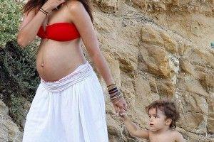 Beautiful Belly!Celeb Bump, Beach Outfit, Beach Bump, Baby Bump, At The Beach, Maternity Style, Beach Pregnancy Style, Babyc Blog, Pregnant Celeb