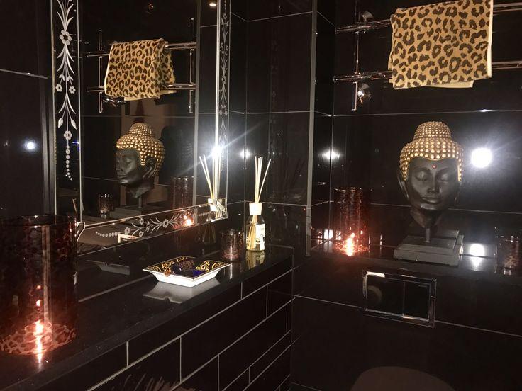 Black n gold - Fab bathroom 🖤 #laatat #blackngold #fabulous #style #bathroom #kylpyhuone #kylpyhuoneremontti #decorhome #interiordesign
