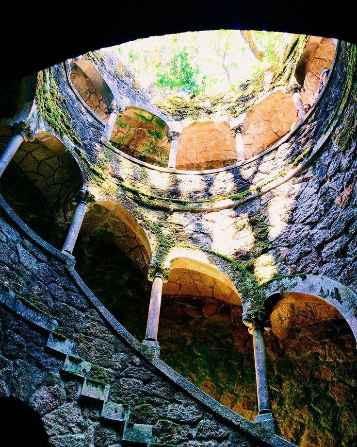 Nice arches . #sintra #lisbon #lisboa #lisbona #portugal #portogallo #arches #ig_lisboa #travelling #traveling #travel #holiday #castle #window #sun #circle #summer #europe #ig_portugal #igersportugal #panorama #paradise #facade #vsco #love #park #people #view #sightseeing #amazing