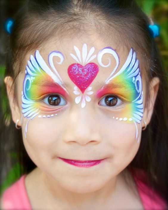 Pretty Eye Crown Face Painting.