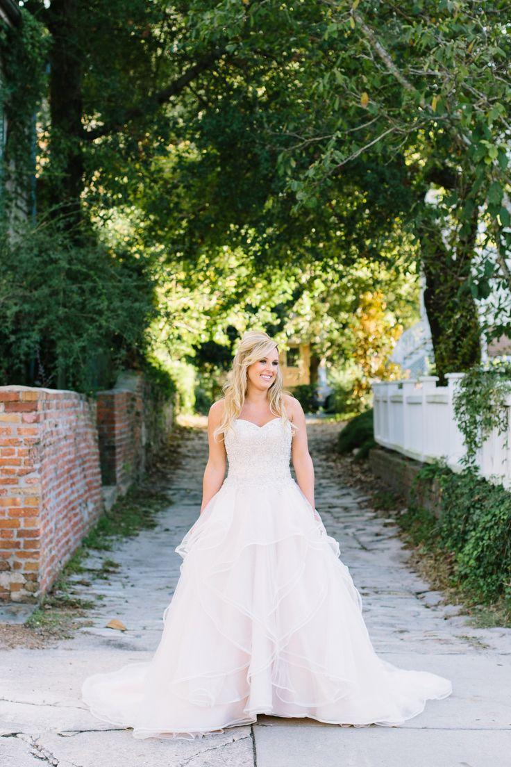 Samantha // A Bakery 105 & Historic Downtown Wilmington North Carolina Bridal Session // photography by: lindseyamiller.com