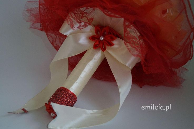 Bukiet Ślubny w Czerwieni i Ecri  wykonany na zamówienie Pani Krysi  :) Ślub Bukiet Bukiety Dodatki Ślubne dekoracja Młoda Para Bukiet prezentuje się bardzo ładnie i szykownie. Weeding Wiązanka