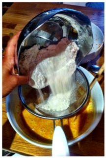 7th mix the flour  aggiungete la farina , mescolare bene