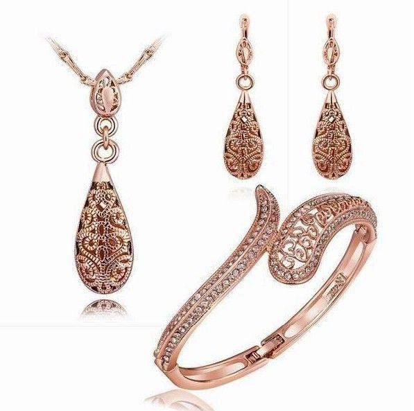set bijuterii placat cu aur http://www.bijuteriifrumoase.ro/cumpara/set-bijuterii-placat-cu-aur-roz-3413