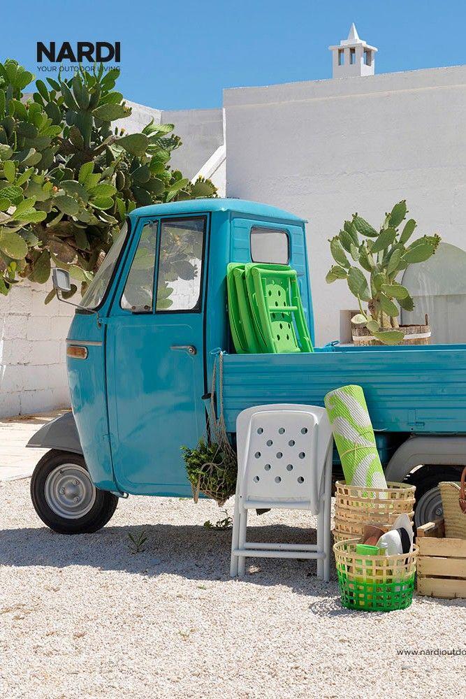 Ich Packe Meinen Koffer Und Nehme Mit Meine Bunten Klappstuhle Von Nardi Urlaubsfeeling Urlaub Gartenstuhle Garten Klappstuhl