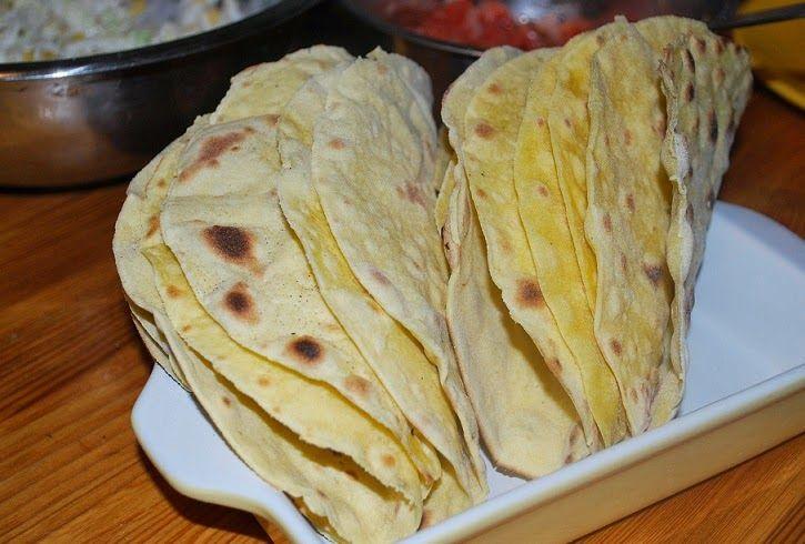 Magiczna kuchnia - przepisy kuchni tradycyjnej i wegetariańskiej: Tacos - placki domowym sposobem