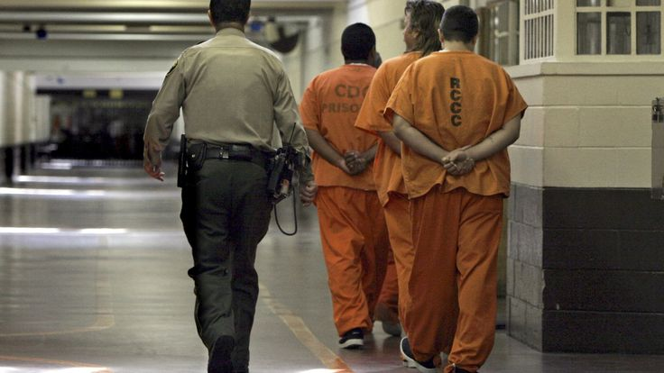 The Trump administration just handed the private prison industry an enormous gift | DOJ to resume use of private prisons | Fusion