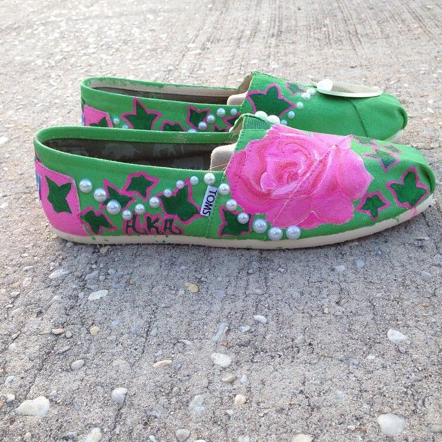AKA customized TOMS... I'm not an AKA but i'd still wear 'em