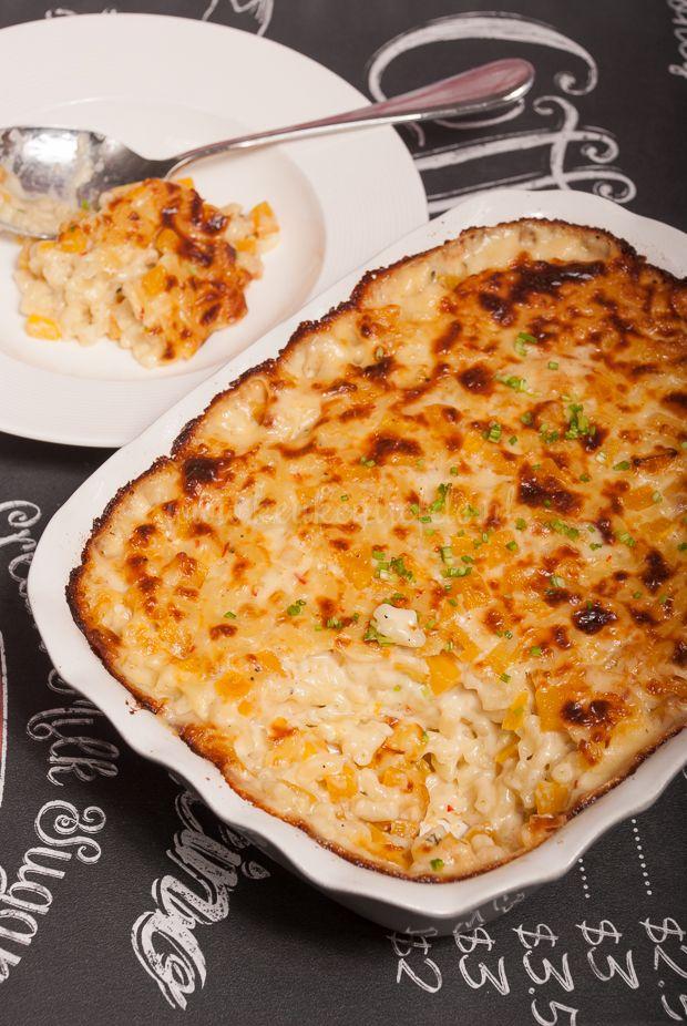 Deze mac and cheese met flespompoen is een van mijn ultiemecomfort foodgerechten. Ik eet hem het liefst uit een diep bord met een lepel, opgekruld op ...