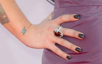 Smalti per unghie corte, 10 consigli sui colori e manicure - Scoprite con noi tutti gli smalti per unghie corte più interessanti: vi diamo 10 consigli sui colori e le manicure più belle!