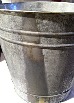 How to distress a galvanized bucket: Metals Buckets, Gifts Bags, Decor Ideas, Buckets Lists, Galvanized Buckets, Galvanized Metals, Age Metals, Age Galvanized, Wm Shakespeare