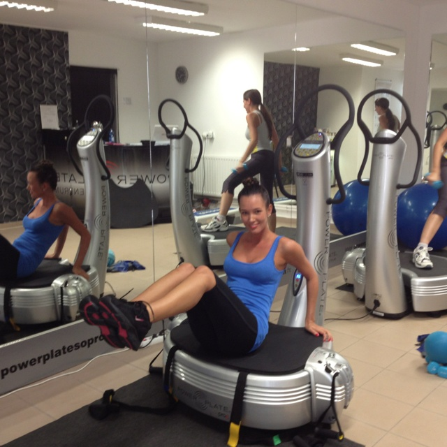 31 best images about powerplate workout on pinterest strength whole body workouts and training. Black Bedroom Furniture Sets. Home Design Ideas