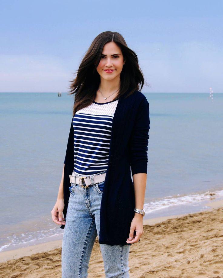 Giulia 🇮🇹💜🇯🇵 @marzari.giulia Settembre in riva al mare non ha prezzo 😄🌟 ・ あなたに🎶... | Yooying