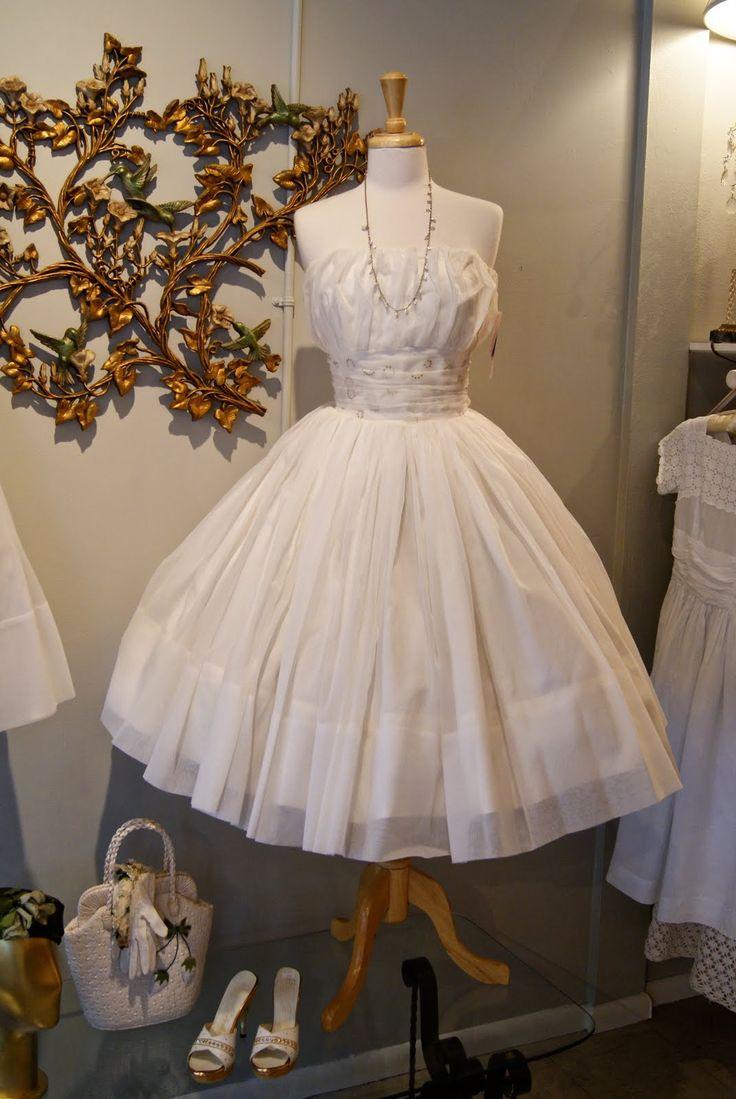 1000 Images About Paris France Wedding Dresses On Pinterest
