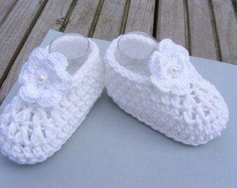 Botitas de bebé recién nacido niña, botines, botines de ganchillo, ganchillo patucos flor, hecha a mano UK