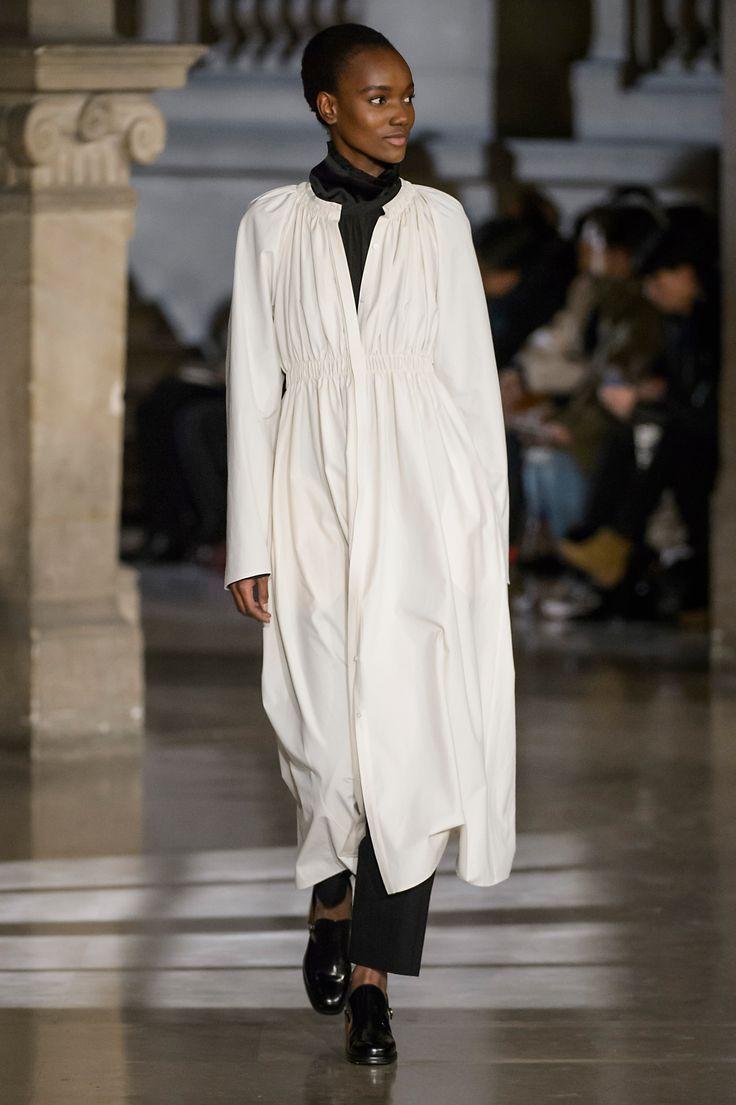 11. Elasticated dress in cotton oxford, blouse in heavy cotton poplin, two-pleated pants in wool seersucker, clogs in leather