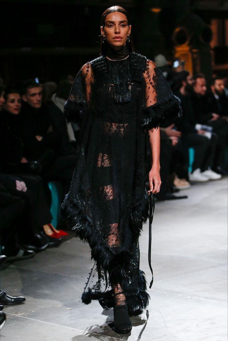 Sfilata Givenchy Parigi - Alta Moda Primavera Estate 2017 - Vogue