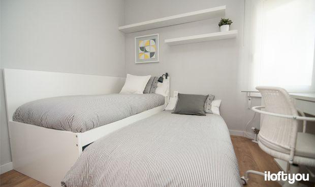 #proyectolescorts #iloftyou #interiordesign #ikea #barcelona #lowcost #alquilertemporal #bedroom #flaxa #lack #micke #enje #nyponros