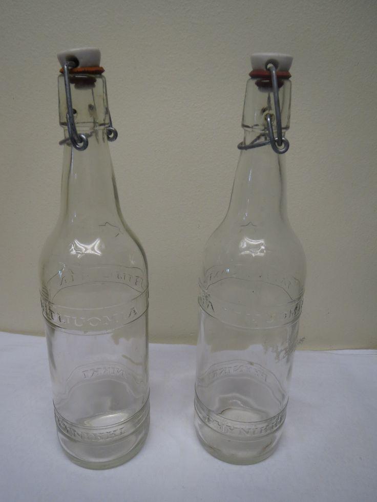 Vanhat patenttikorkkiset Pyynikin Tähtijuomia-pullot. Ehjät ja hyväkuntoiset, korkeus 30 cm. 10 euroa/kpl.