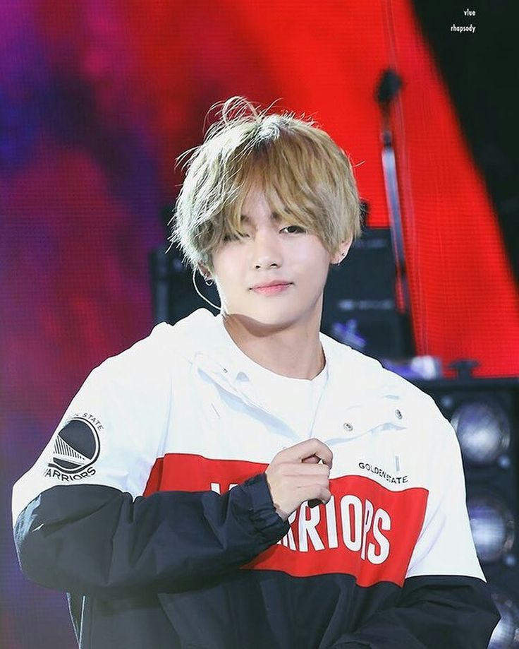 Taehyung long blonde hair