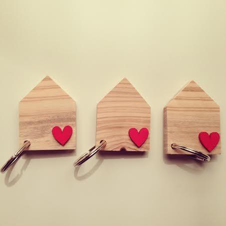 Portachiavi in legno. di unacosatiralaltra su Etsy