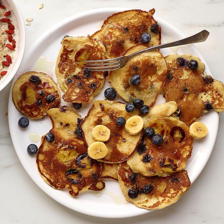 Pancakes aux myrtilles et à la banane