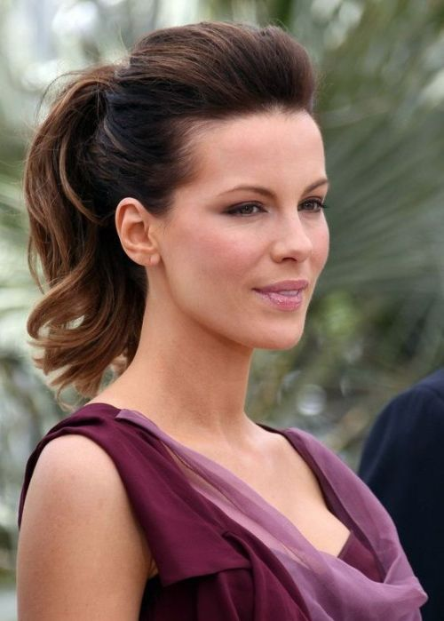 S Kate Beckinsale Wears Her Medium Length Hair In A Classy